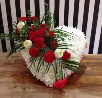 Daisybumbles_Flowers_Tipton_heart-